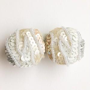 white sequin round earring[e-1031]