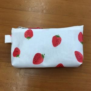 イチゴ柄のカード&コインケース