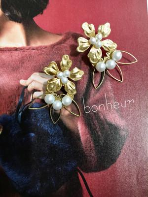 再販❣️❣️ヴィンテージGOLD Flower&Perlイヤリング