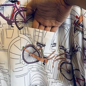 自転車柄の街をサイクリングアロハシャツ