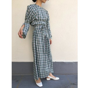 slit sleeve onepiece / check