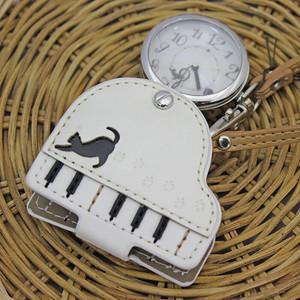 【ファッションウォッチ】ルーペウォッチ ネコ&ピアノ(ホワイト)