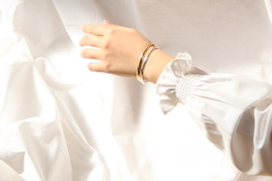 """""""receiving mode"""" simple bangle 【gold】"""