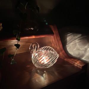 swan candle holder / ヴィンテージ アンティーク調 スワン ガラス ティーライト キャンドルホルダー 白鳥 韓国 北欧 雑貨