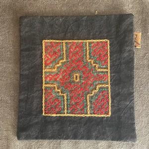 コースター 両面 Xmas 赤い十字架 シピボ族の泥染め 手刺繍