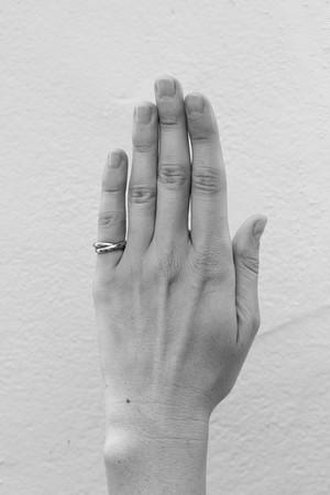 SOPHIE BUHAI - DOUBLE CIRCLE PINKY RING