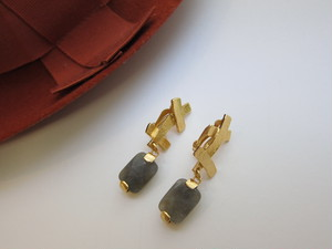 (IKUO)ラブラドライト×goldクロスモチーフイヤリング