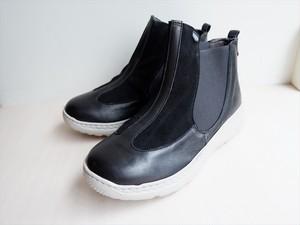 スリッポンショートブーツ ブラック H2.5cm