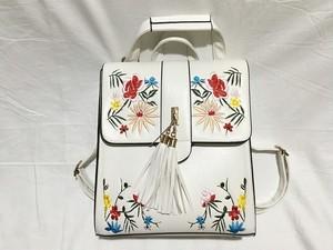 お花の刺繍のフェミニンなバックパッグ・スクールバッグ