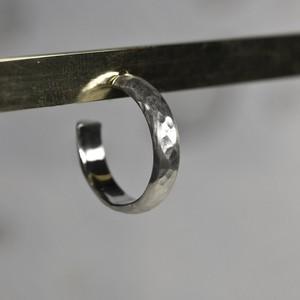 シルバープレーンフープピアス 4.0mm幅 つや消し槌目|WKS PLANE HOOP PIERCED EARRING 4.0 sv matte hammer|FA-388