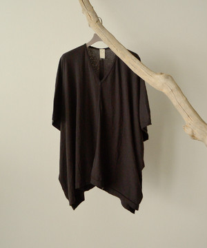 O project  WIDE FIT V NECK TEE  SUMI