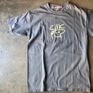 LES CINQ LETTRES. (レサンクレトル) civic プリント Tシャツ