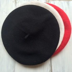 キッズベレー帽☆赤、白、黒