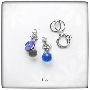 ▲ 貝ボタンとガラスボタンのイヤーチャーム〈Blue〉