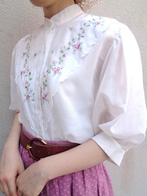 Flower Embroidery blouse/花刺繍ホワイトブラウス