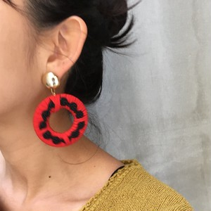 90's big circle embroidery earrings (pierced earrings)