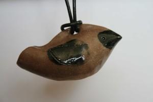 鳥の土笛ペンダント0011