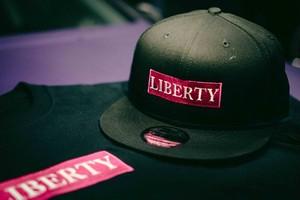 LIBERTY CAP NEW ERA ピンク