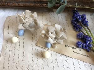 シルク裂き編み花の耳飾り Melty (イヤリング)