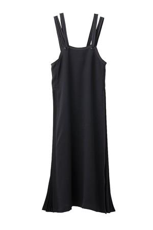 ショルダーバンドプリーツドレス < ブラック >