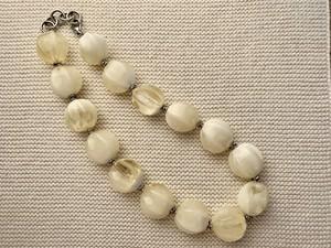 ネックレスchunky ivory beads