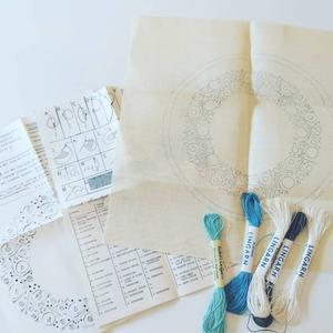 スウェーデン手工芸協会 ヴィンテージ刺繍キット 円形