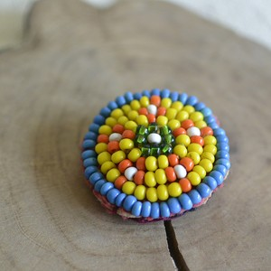 アフガニスタンのアンティークビーズ刺繍ブローチ【B】