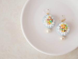 【虹のパーティ】プアラニ・虹の花ピアス/イヤリング(ブルー)