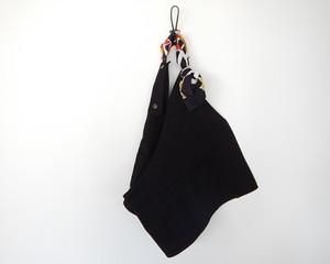 サコッシュ トップス (black × black yellow flower kanga)