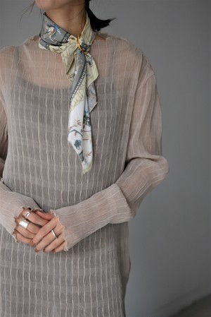 STAIR / HIGT NECK TOPS&SCARF (beige)