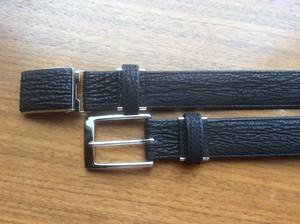 サメ革ベルト(30mm幅)・・・・・サメ革の丈夫さと良さがわかります。