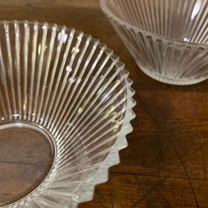 涼しげな、大きめな可愛い♡ガラスの器 レトロ皿 2枚セット