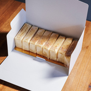 リアルチーズケーキ - REAL CHEESECAKE -8カット個包装