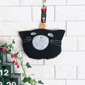 猫さんそのものポーチ 吊り下げ金具付き 黒猫さん ***【再販可】