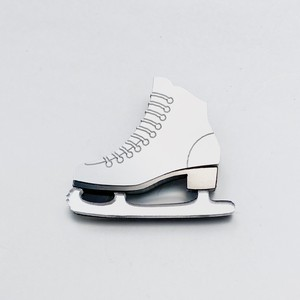 スケート靴 ブローチ