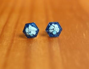 ターコイズヘキサゴン 原石♦︎ 1粒ピアス ブルー