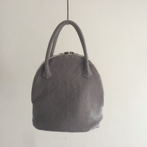MARTAU. / shell bag XS gray