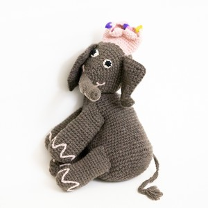 elephant with crown girl