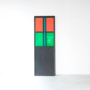 色ガラスのドア