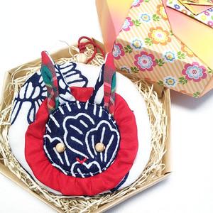 うさぎ丸(芍薬文様のミニ丸ポーチ)