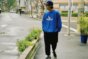 Not a Pizza Shop SWEAT【Orange/Blue】