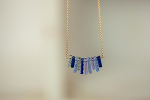 ガラスのフリンジネックレス ブルー(14kgf)