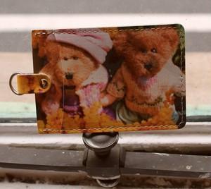 ミモザと二匹の熊のレザーパスケース