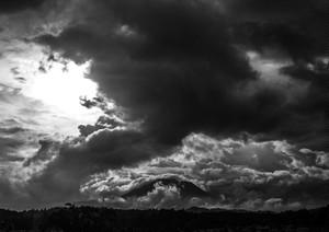 神の山 霧島(モノクロ) 現品限り