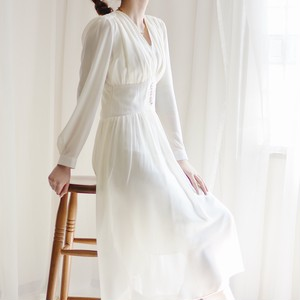 sheer design one piece / white
