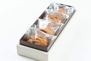 【テイクアウト専用】BOMBOMY チーズクッキーセット(チーズチョコサンド、チーズペッパークッキー)6個入り
