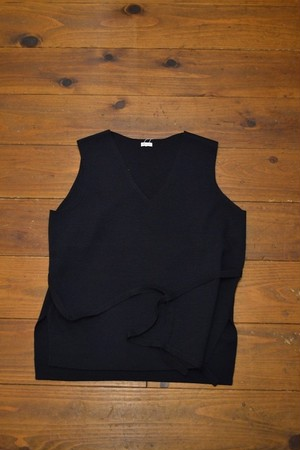 MY / V NECK KNIT VEST