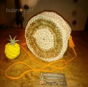 かごバッグ風 手編み2トーンポシェット Tシャツヤーンバッグ