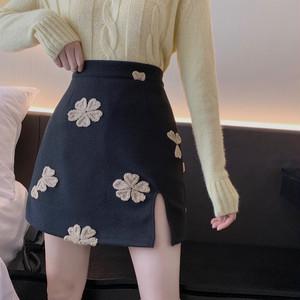 全2色レトロ刺繍ハイウエストミニスカート