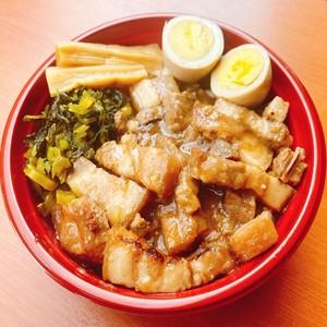 牛タンシチューと王様の角煮(選べる4セット)【送料別】